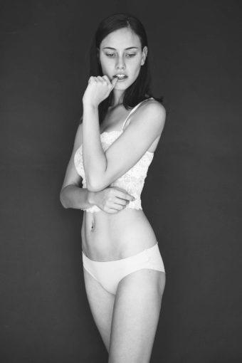 צילום בוק דוגמנות מקצועי עם צלמת האופנה שחף מרגלית