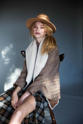 צילום אופנה עבור מגזין עם הדוגמנית דיאנה מיורי