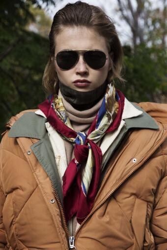 צילום אופנה בסגנון שכבות וטייסים עבור מגזין אופנה
