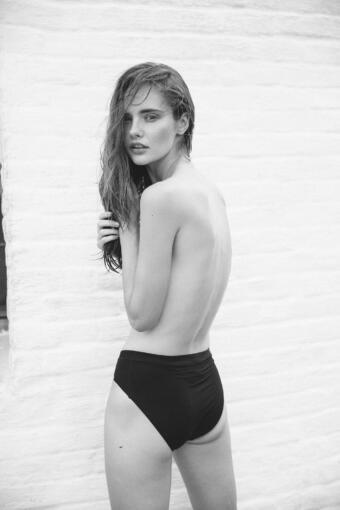 צילום אופנה בשחור לבן